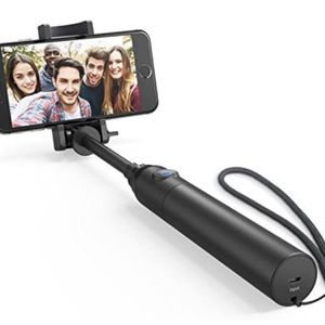 Selfie Stick, Bluetooth Highly-Extendable and Compact Handheld Monopod with 20-Hour Battery Life for iPhone X/8/8 Plus/7/7 Plus/Se/6s/6/6 Plus,11/11 P for Sale in Carson, CA