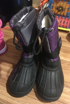 Snow boots size 3 girls for Sale in Phoenix, AZ