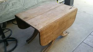 Antique table for Sale in Lakewood, CA