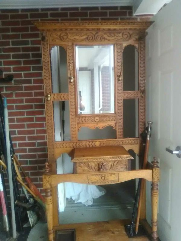 Oak furniture, unique peice, high end quality. Part of undecided estate sale