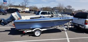 Super Clean! Boat & Trailer for Sale in Joliet, IL