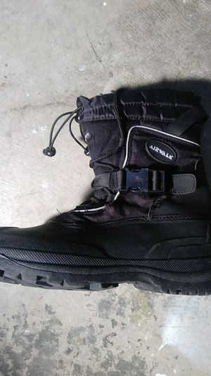 Airwalk, winter snowmobile boots men's size 8 for Sale in Puyallup, WA