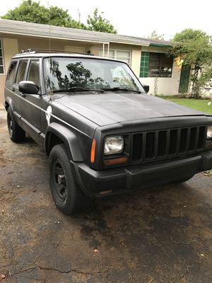 Jeep cherokee xj for Sale in Pembroke Pines, FL