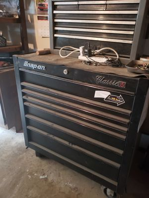 Nice snap on tool box classic 60 for Sale in Bowie, MD