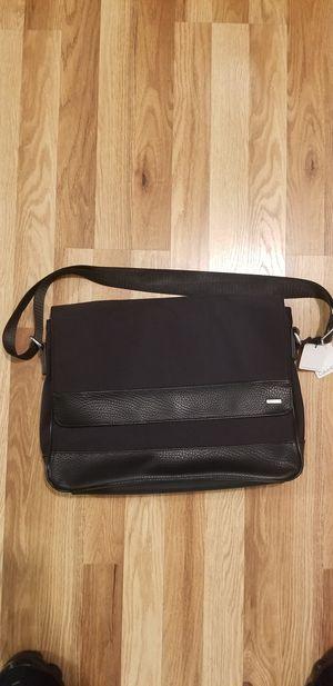 Calvin Klein Messenger Bag for Sale in Los Angeles, CA