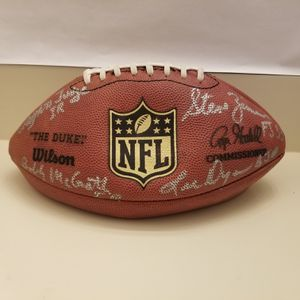 Wilson The Duke 2008 Thanksgiving Day Autograph Football Eagles/Cardinals. for Sale in Lake Worth, FL