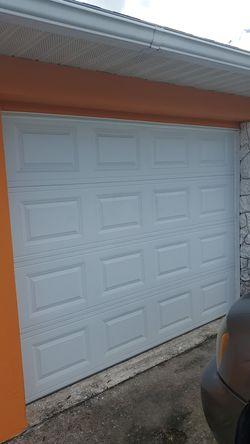 GARAGE DOOR 9 X 7 - NO MOTOR for Sale in Sebring,  FL