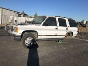95 Tahoe (parts car) for Sale in Fowler, CA