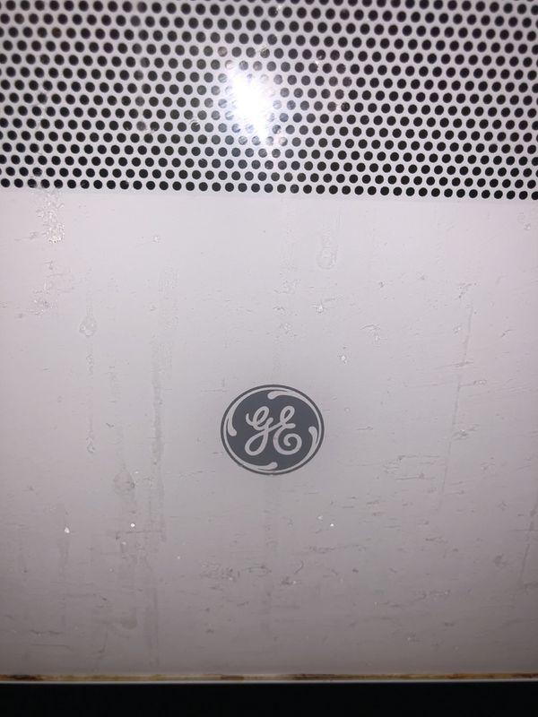 GE 30 in. 4.8 cu. ft. Gas Range in White
