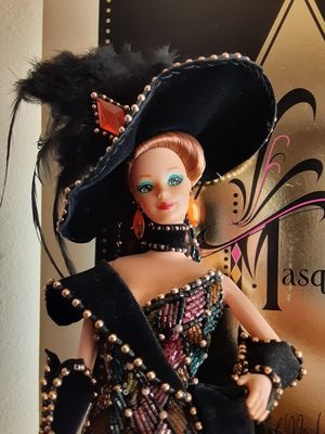 MASQUERADE BALL BARBIE DOLL BY BOB MACKIE 1993 TIMELESS COLLECTION for Sale in Long Beach, CA