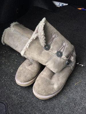 Women's ugg boots size 6 for Sale in Portland, OR