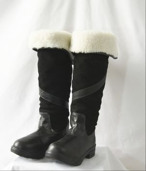 Smartpak Riding leather fleece boots! NWT EUR Size 38 US 7.5-8 for Sale in Lacey, WA