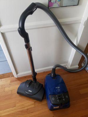 Miele Vacuum 300...1200w for Sale in Long Beach, CA