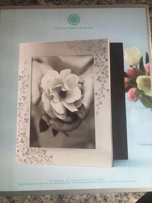 💐Martha Stewart bridal photo book 👰🏼 for Sale in McKeesport, PA