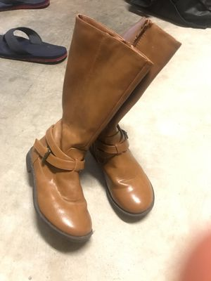 Girls boots size 1 $10 for Sale in Round Rock, TX