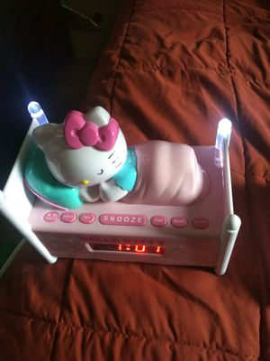 Hello Kitty AM/FM radio alarm clock sleeping kitty in bednight for Sale in Washington, DC