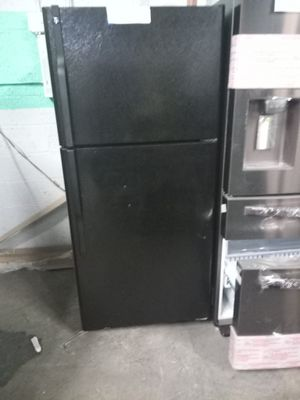 LG BLACK TOP FREEZER FRIDGE WORKING PERFECT for Sale in Baltimore, MD