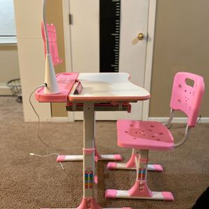 Pink New School Desk for Sale in Saint Paul, MN