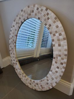 Mirror oval mosaic beige/cream for Sale in Bonney Lake,  WA