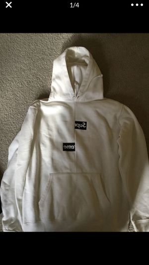 Supreme comme des garçon box logo hoodie men's xl for Sale in Escanaba, MI