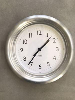 Wall clock - working, 9.5 inch diameter for Sale in Potomac Falls, VA