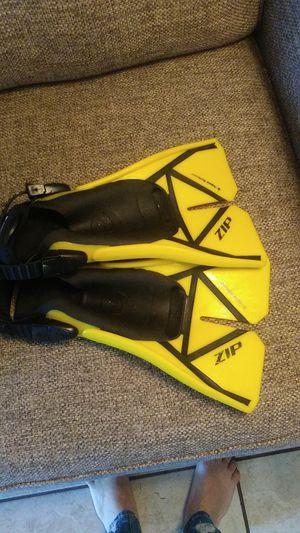 Zip scuba flippers for Sale in Hilo, HI