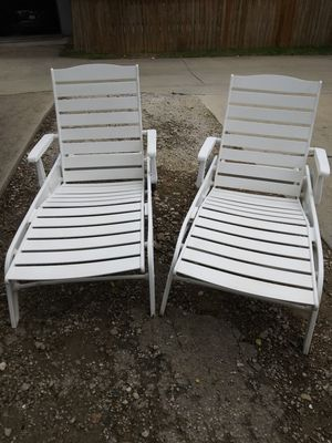 Two matching pool loungers for Sale in Carrollton, TX