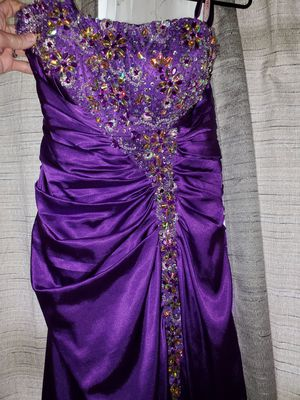 Prom dress for Sale in Eldon, IA
