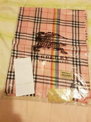 PINK BURBERRY SCARF NEW NEVER USED for Sale in Orlando, FL