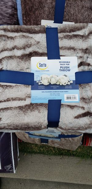 Serta throw blanket fox fur for Sale in Industry, CA