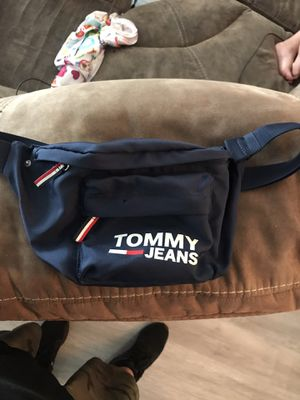 Tommy Fanny pack waist bag for Sale in Miami, FL