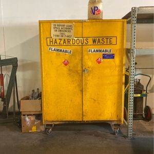 Used has hazardous waste container for Sale in San Fernando, CA
