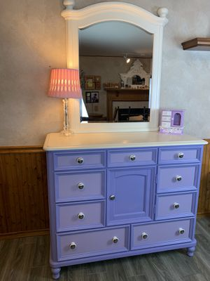 Girls solid wood bedroom set for Sale in Arnold, MO