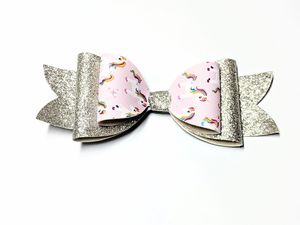 New Handmade Large Girls Unicorn Hair Bow for Sale in Sykesville, MD