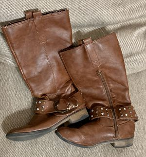 Pair of Brown Riding Boots - Girl's Size 3 for Sale in Round Rock, TX