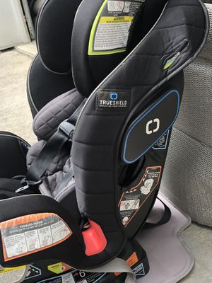 Graco Extend2Fit 3-in-1 Car Seat featuring TrueShield Technology, for Sale in Pen Argyl, PA