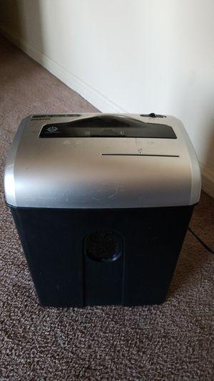 Trituradora de papel AmazonBasics for Sale in Alexandria, VA