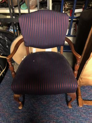 Chair for Sale in East Wenatchee, WA