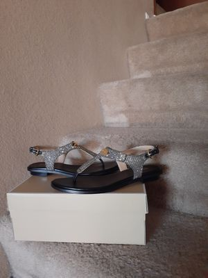 Michael kors size 8 for Sale in Tolleson, AZ