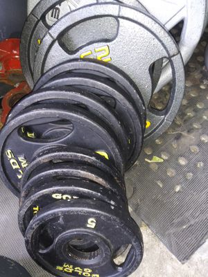 110lbs Gold's Gym Olympic Gym Weights for Sale in Queens, NY