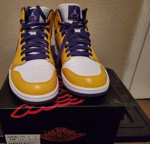 Jordan 1 mid size 10.5 for Sale in Fresno, CA