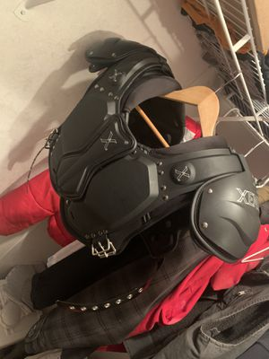 Xenith shoulder pads adult small for Sale in Benzonia, MI