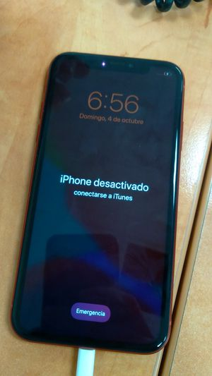 iPhone 11 pro Locked for Sale in Dallas, TX