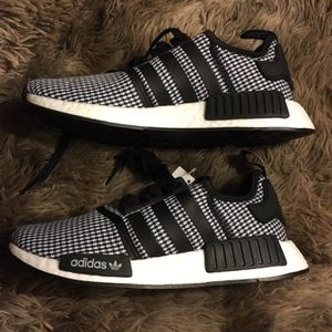 Adidas NMD R1 Size 8 for Sale in Burbank, CA