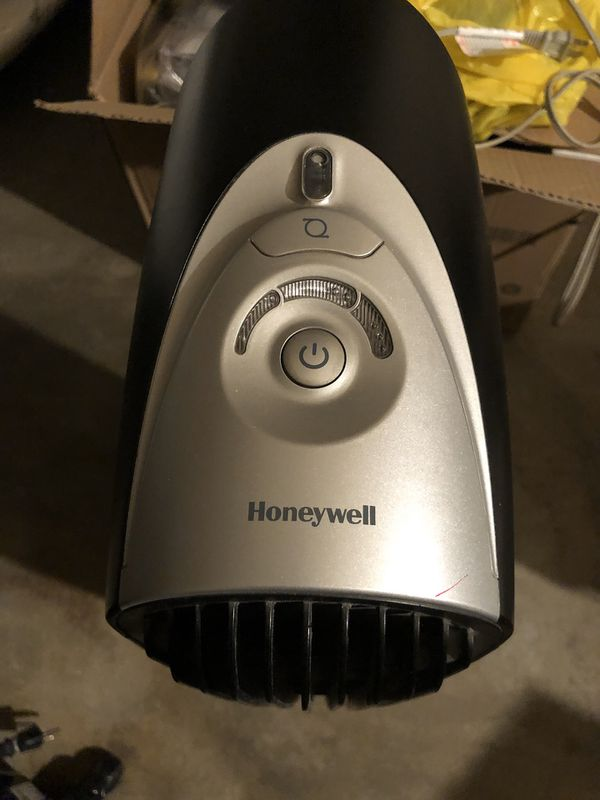 Honeywell QuietClean Air Purifier with Permanent Washable Filters and Energy Star Rated