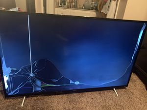 TCL Roku TV 4K HDR 50inch for Sale in Addison, TX
