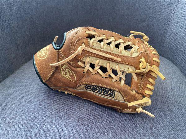 "Louisville Slugger Omaha Legacy 11.5"" baseball glove"