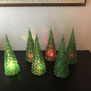 Set of 6 Lighted Christmas Trees $15 for Sale in Los Angeles, CA