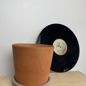 Terra-cotta clay ceramic Pot Planter <3 Plants ! for Sale in Los Angeles, CA