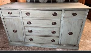 NEWLY REFINISHED 2 PIECE HUTCH/CHINA CABINET for Sale in El Cajon, CA